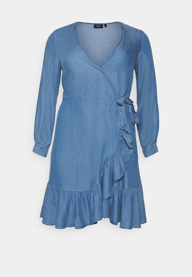 MDYA DRESS - Vapaa-ajan mekko - mid blue denim