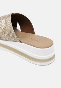 Tata Italia - Sandaler - glitter silver - 7