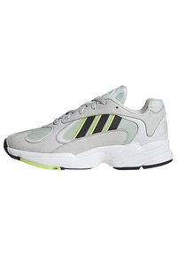adidas Originals - YUNG-1 SHOES - Trainers - green - 1