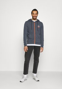 Jack & Jones - JJDELIGHT ZIP HOOD - Bluza rozpinana - navy blazer melange - 1