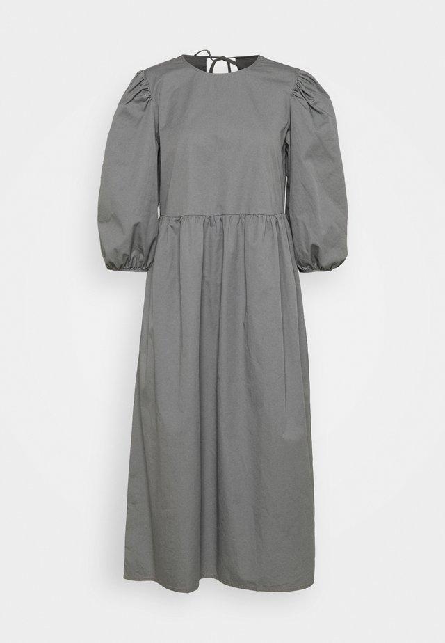 SLFCATALINE  - Sukienka letnia - grey