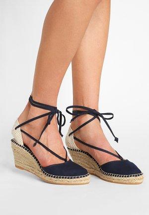 PYRENEES - Zapatos de plataforma - marine