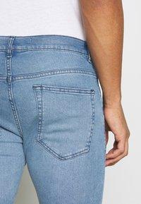Burton Menswear London - WASH  - Jeans slim fit - blue - 4