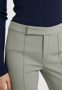 Strenesse - PANTS - Trousers - soft green - 4