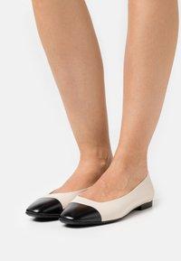 Tamaris - Ballet pumps - ivory/black - 0