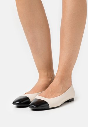 Ballet pumps - ivory/black