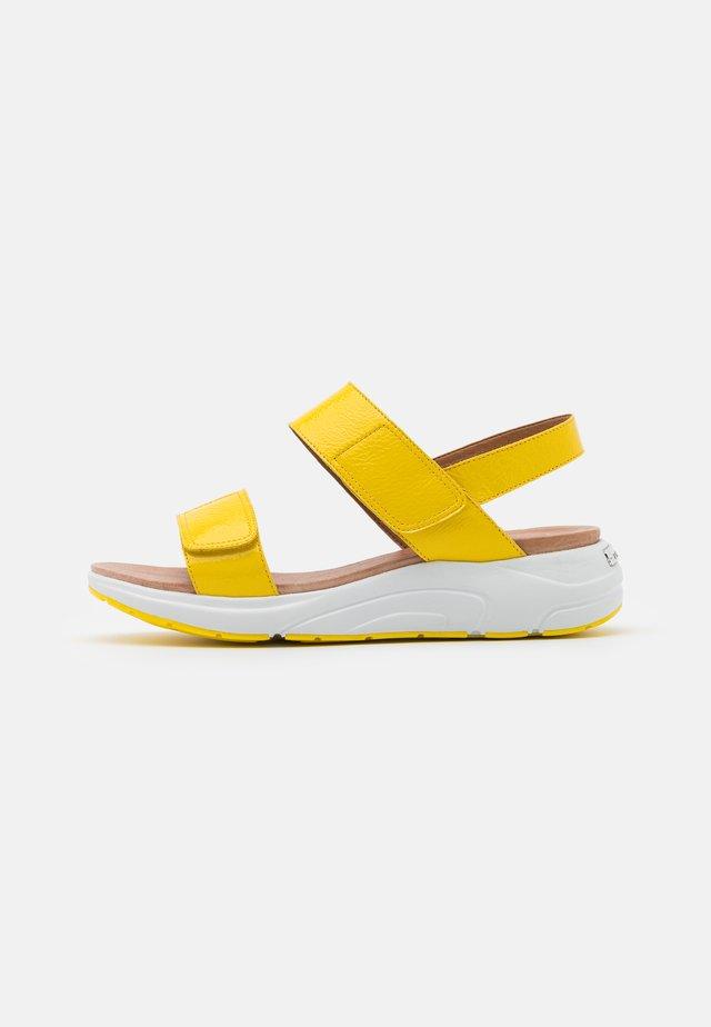 Plateausandaler - yellow