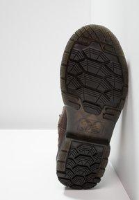 Dr. Martens - 2976 ALYSON ZIPS SNOWPLOW - Classic ankle boots - dark brown - 6