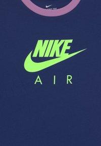 Nike Sportswear - RINGER TEE - T-shirt print - blue void/violet shock - 2