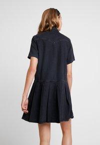Levi's® - MIRAI WESTERN DRESS - Denim dress - black sheep - 3