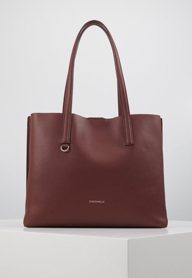 MATINEE - Tote bag - marsala/cherry