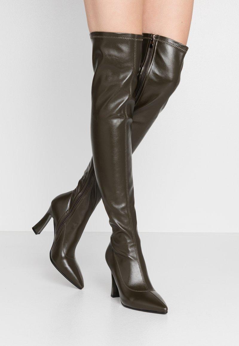 NA-KD - GRAPHIC BOOTS - Boots med høye hæler - dark green