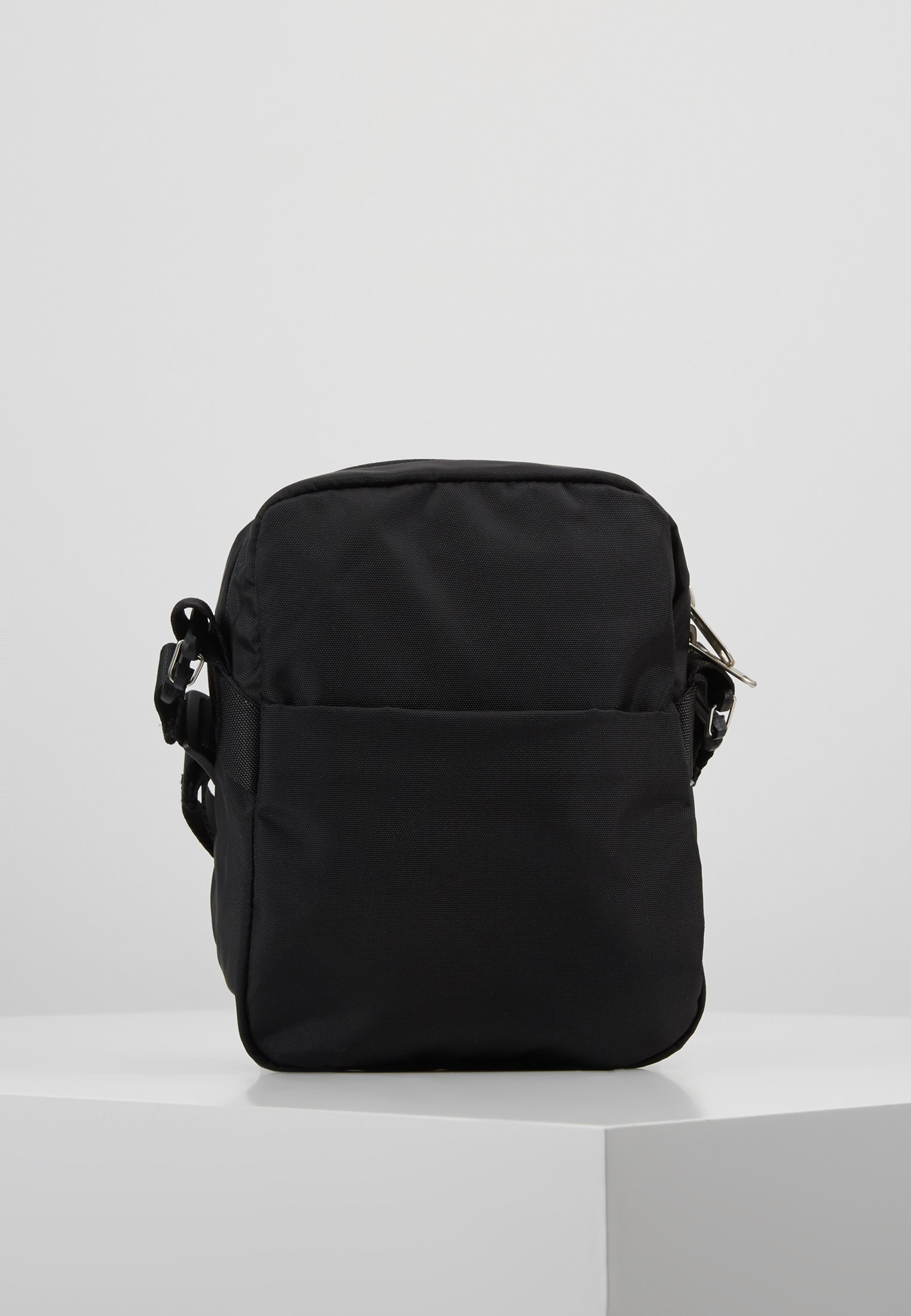 The North Face SHOULDER BAG Skulderveske blackwhite