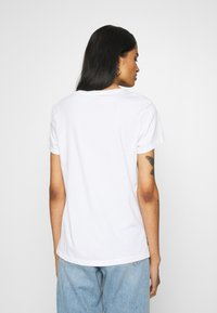 Levi's® - THE PERFECT TEE - T-shirt imprimé - white