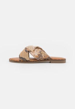 GRONAU - Pantofle - nude