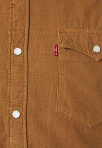 Levi's® - BARSTOW WESTERN SLIM - Skjorta - garment dye cord toasted coconut - 2