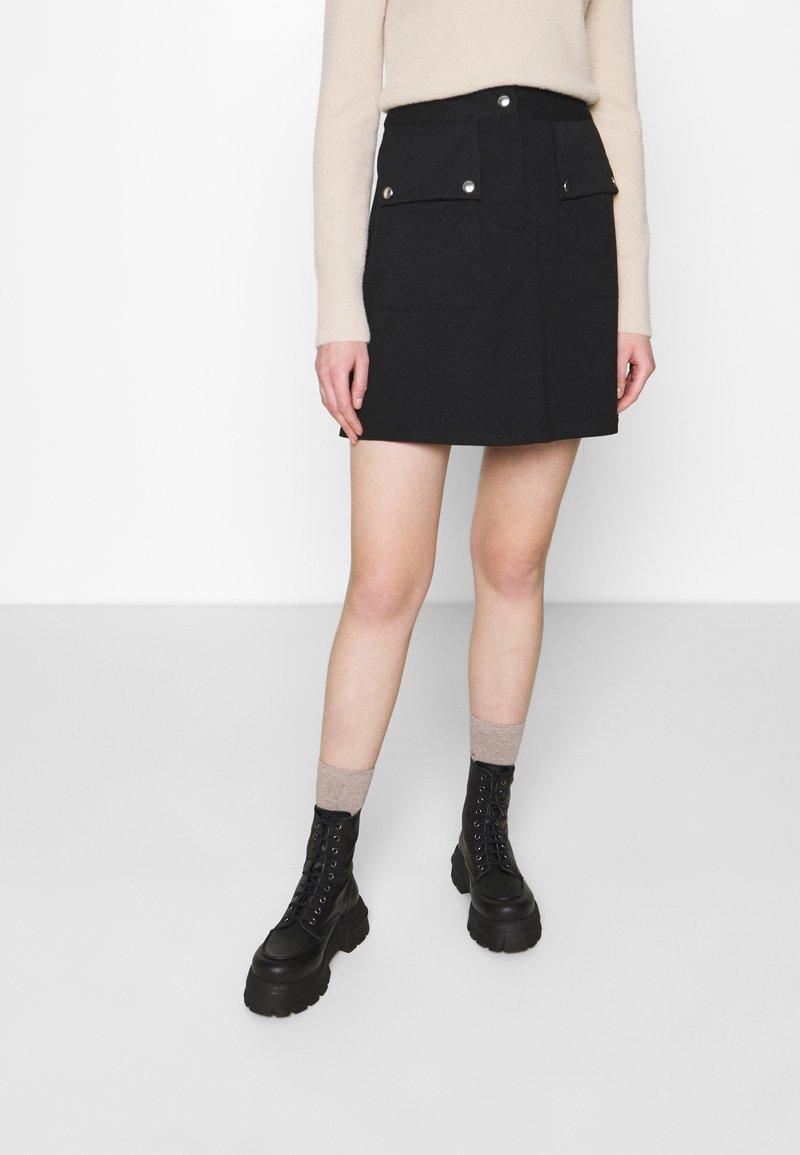 Vero Moda - VMSIGRID SKIRT - Mini skirt - black