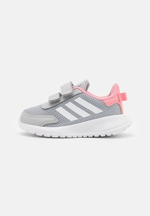TENSAUR RUN UNISEX - Juoksukenkä/neutraalit - grey two/footwear white/super pop
