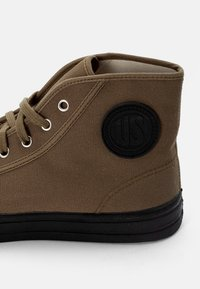US Rubber Company - MILITARY HIGH TOP - High-top trainers - military green - 5