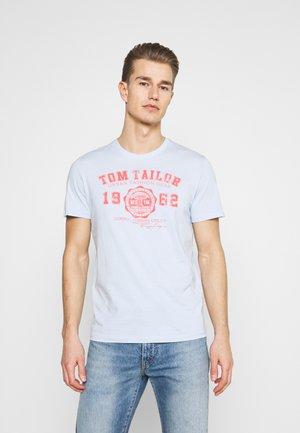 LOGO TEE - T-shirt print - light metal blue