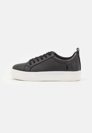 WIDE FIT TRICKY CROC DOUBLE SOLE TRAINER - Sneakersy niskie - black