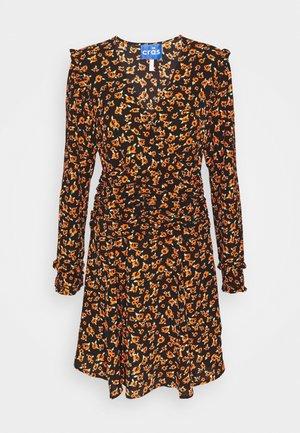 MOONCRAS DRESS - Day dress - rosalia