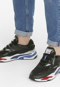 Puma - BMW MMS RS-FAST UNISEX - Sneakers - p black-marina-high risk red - 0