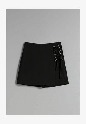 MIT ZIERELEMENT  - Shorts - black