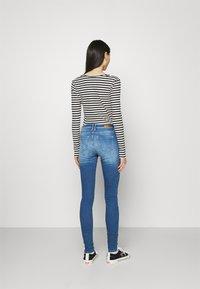 ONLY - ONLSHAPE LIFE REG - Jeans Skinny Fit - light medium blue denim - 2