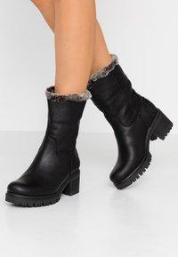 Panama Jack - PIOLA - Kotníkové boty - black - 0