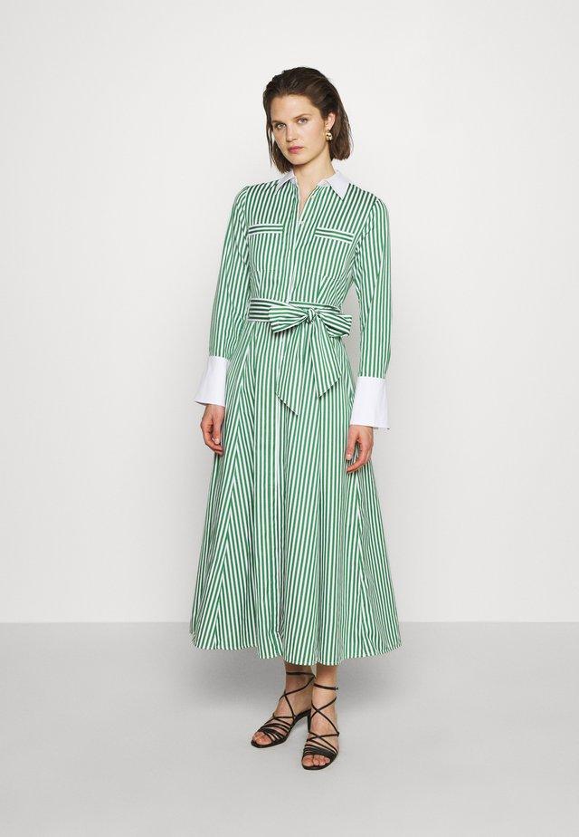 Robe chemise - secret garden green