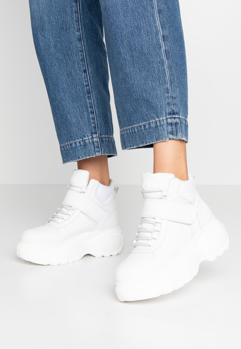 Coolway - HESTI - Sneakers alte - white