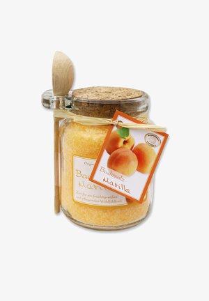 BADESALZ MARILLE IM GLAS MIT HOLZLÖFFEL 300 G - Bubble bath & soak - orange