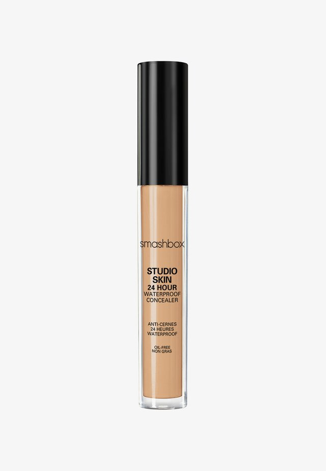STUDIO SKIN FLAWLESS 24 HOUR CONCEALER 8ML - Concealer - e3b58f- light medium warm peach