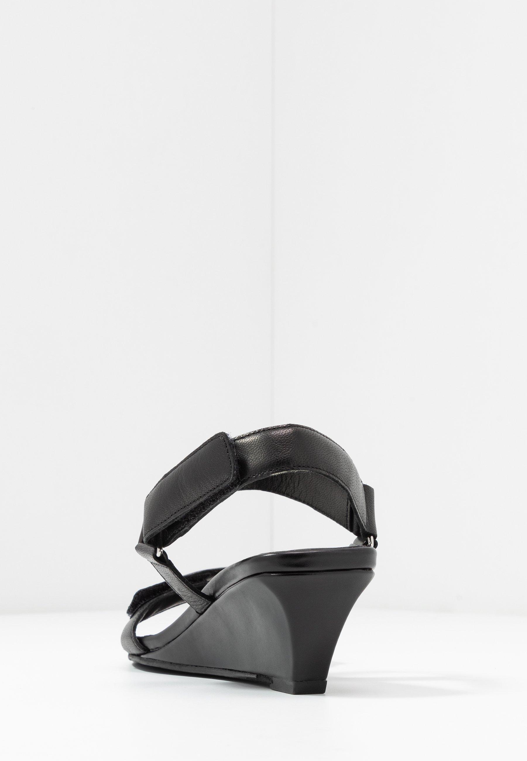 NELLIE Sandaletter med kilklack black