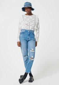 Pimkie - MOM FIT JEAN - Straight leg jeans - denimblau - 1