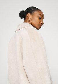 Oakwood - HELEN REVERSIBLE - Light jacket - light beige - 5