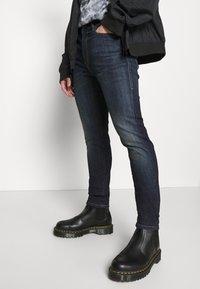 Diesel - D-AMNY-Y - Jeans slim fit - dark blue - 3