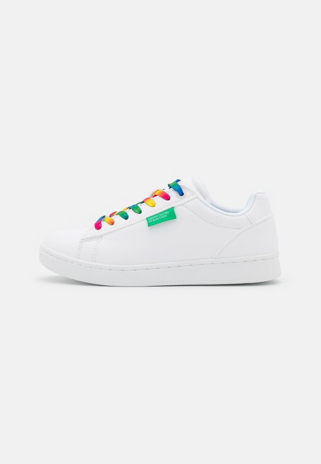 LABEL LACES - Baskets basses - white