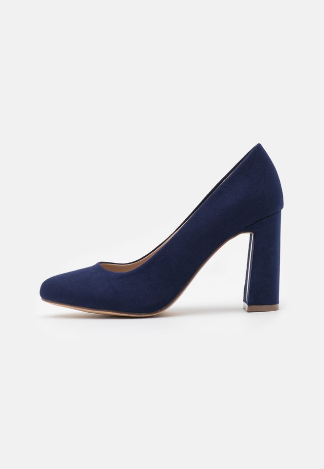 WIDE FIT DEEDEE COURT - Tacones - navy