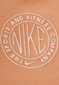 Nike Sportswear - Vestido de tubo - terra blush/orange pearl - 2