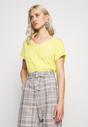 KURZARM - Print T-shirt - lemon sorb