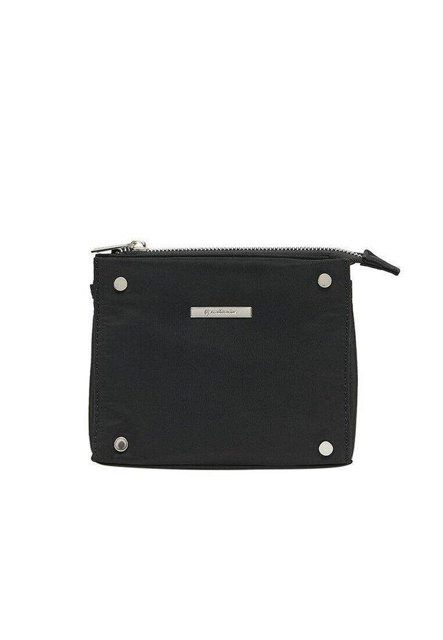 NECESSAIRE MIT NIETEN 00873062 - Kosmetická taška - black