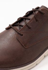 Timberland - BRADSTREET - Casual lace-ups - dark brown - 5