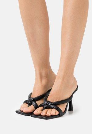 MADNESS THONG HEEL - T-bar sandals - black