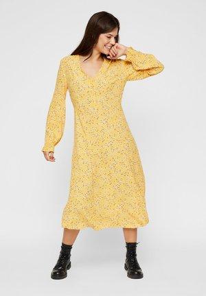 Vestido informal - gold