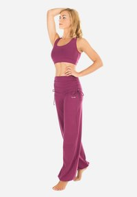Winshape - Tracksuit bottoms - berry love - 0