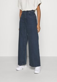 Weekday - ACE - Flared Jeans - river black - 0
