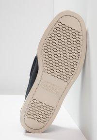 Sebago - DOCKSIDES PORTLAND - Chaussures bateau - blue navy - 4