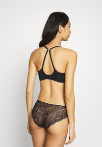 Marks & Spencer London - TOTAL CORE NONWIRED - Triangle bra - black - 3